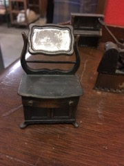 LOT,_miniature_pencil_sharpeners,_case_metal