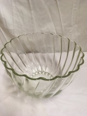 Punch_bowl,_ribbed,_with_10_cups