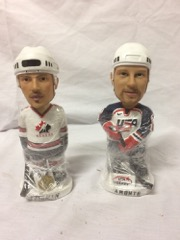 Hockey_bobbleheads__yzerman_and_Amonte__6_inches_tall