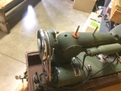 OLD_husqvarna_sewing_machine_in_case