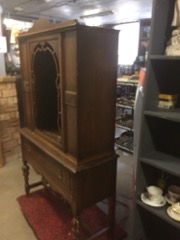 HESPELER_furniture_hutch_china_cabinet_walnut