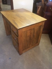 oak_desk,_single_pedestal_with_drawer,_nice_smaller_size
