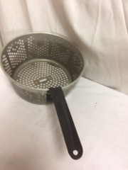 cute_little_metal_grille_with_handle,_use_for_chestnuts