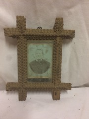Tramp_art_picture_frame,_very_small_