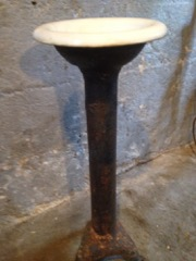 cast_iron_stand_with_basin,_top_is_white