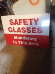 Safety_glasses,_metal_sign,_single_sided