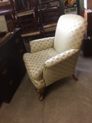 old_armchair,_great_condition,_very_comfy