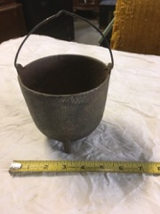 cast iron trivot pail with handle