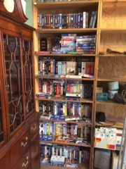 LOT hundreds of old VHS movies