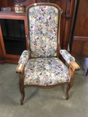 armchair victorian walnut imposing comfortable